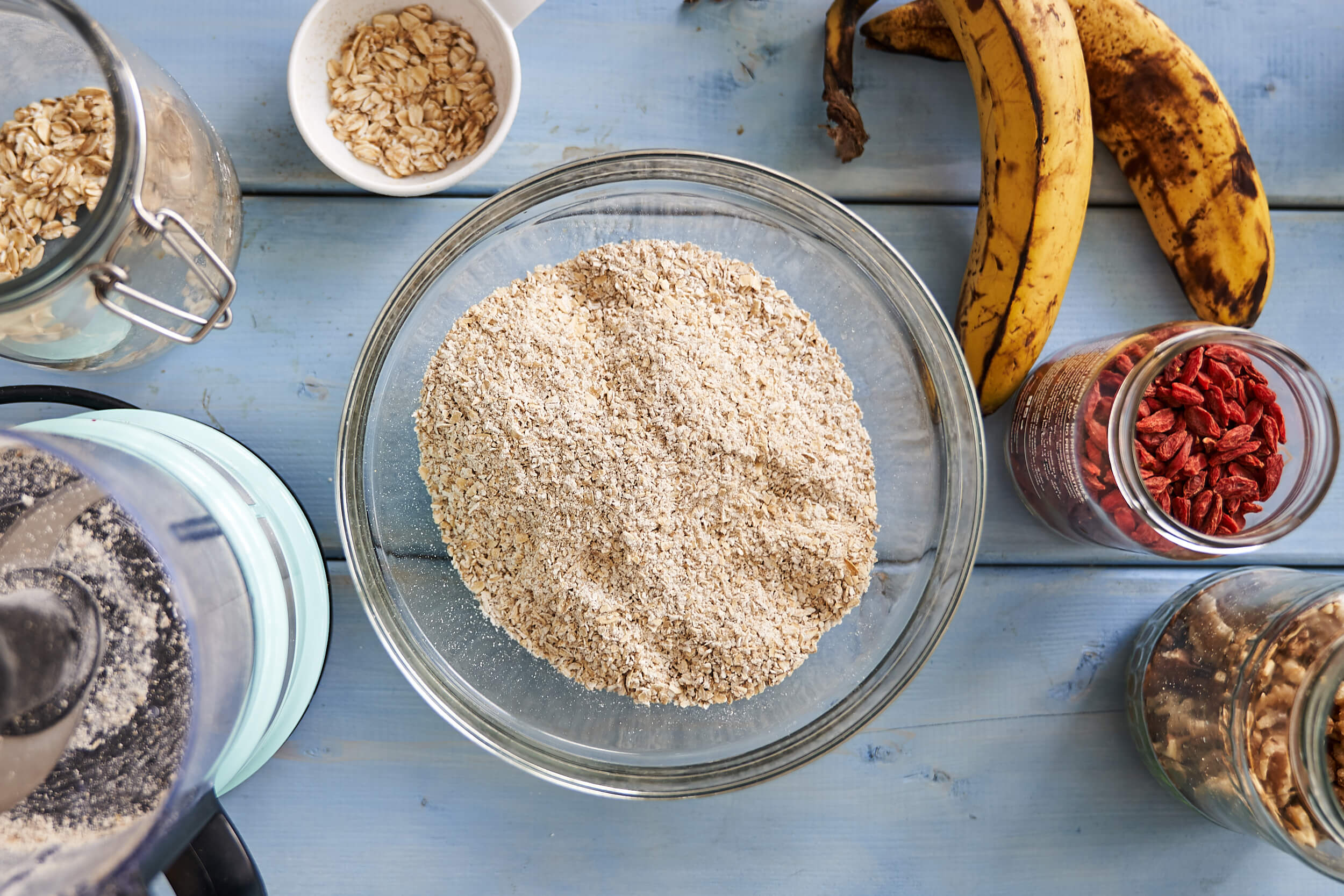 Grounds oats in a bowl for superfood granola bars
