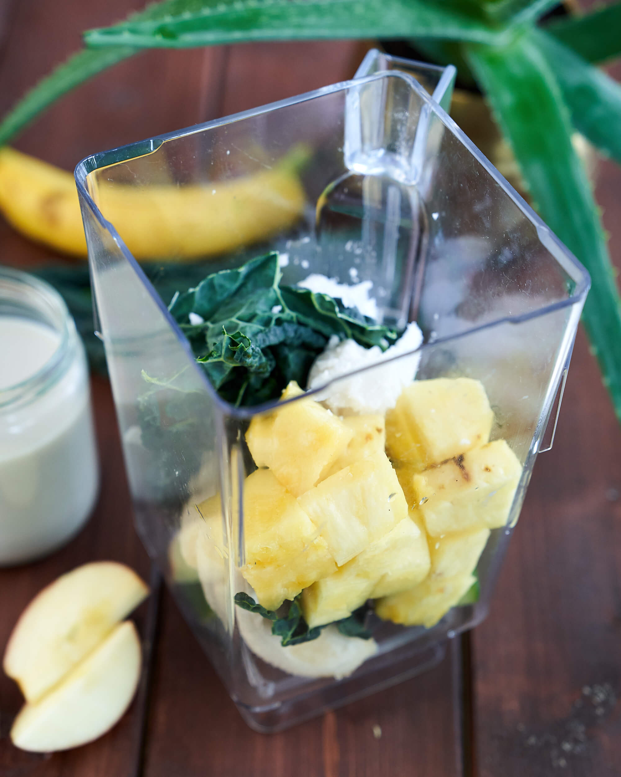 Green Aloe Smoothie with Kale, Pineapple and Banana in Blender