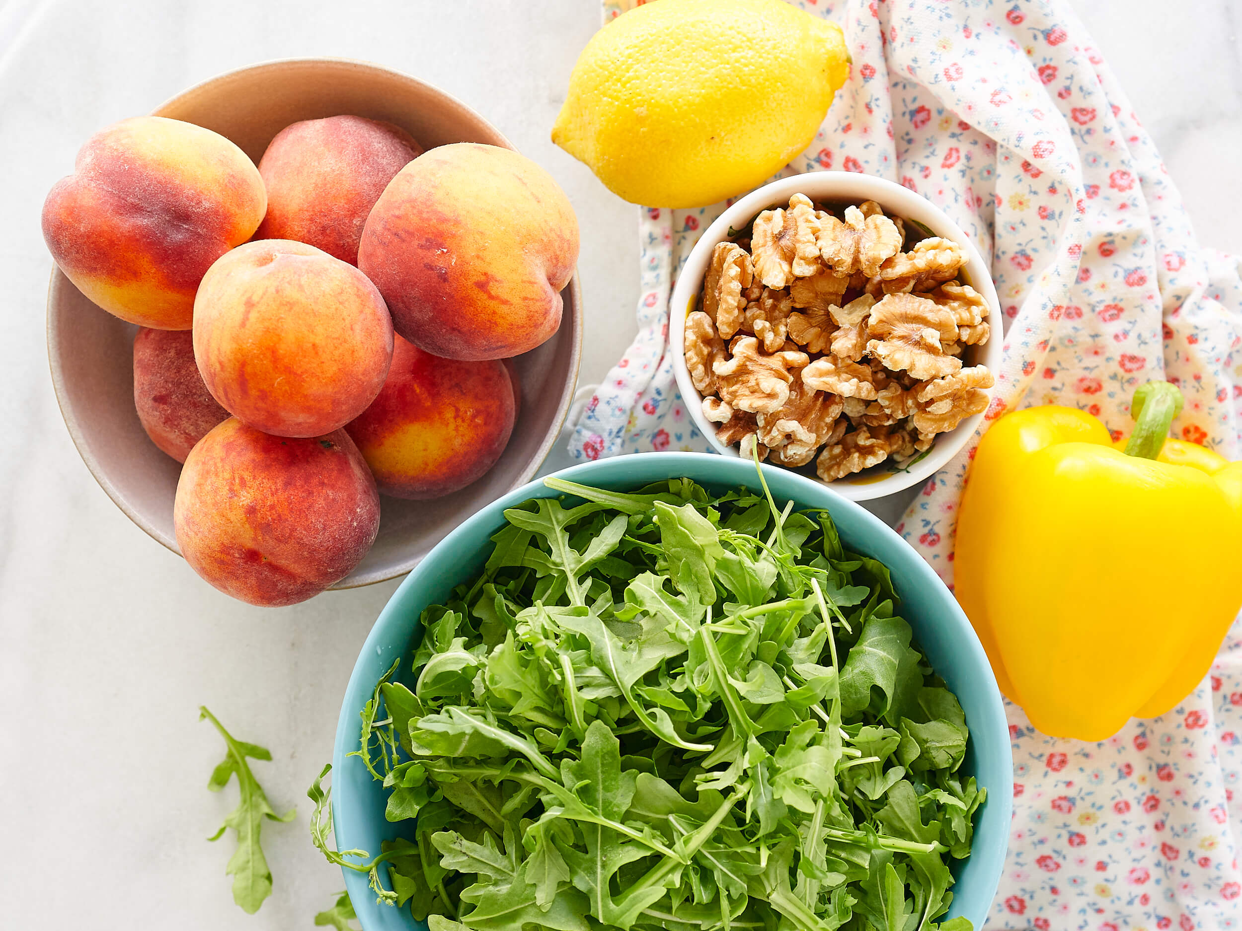 Peaches, arugula and lemon
